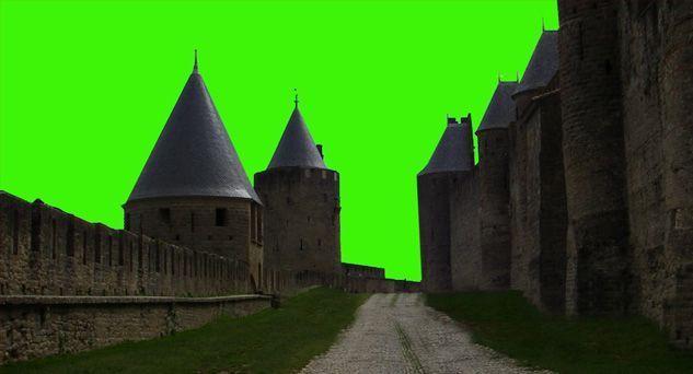 Замок с зеленым фоном